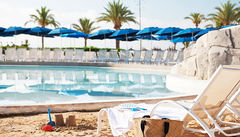 Vid barnpoolen på Sunwings hotell i Alcudia kan barnen bygga sandslott medan du kopplar av.