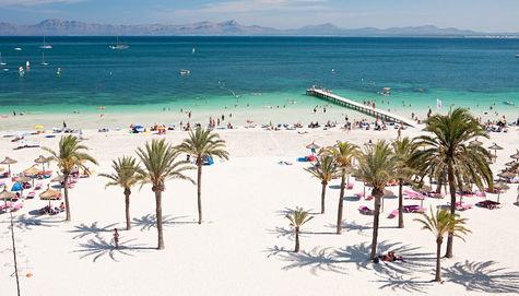 Sunwing Alcudia Beach hotells utsikt över underbara Alcudia beach.