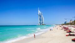 Hett strandliv i Dubai.