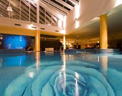 Härlig pool på Grand Rose på Ösel.