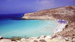 Rabbit Beach på Lampedusa är en av världens vackraste stränder.