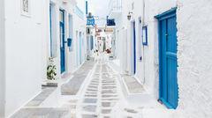 Smala charmiga gator på Mykonos.
