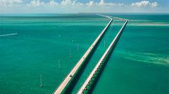 Seven Mile Bridge som tar dig till tropiska Florida Keys.