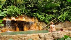 Ta ett avslappnat bad i Costa Ricas naturliga varma källor.