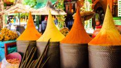 Kombinera yoga med färgsprakande kultur i Marrakech.