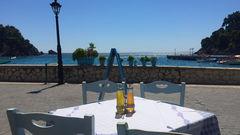 Utsikt från en av alla fantastiska restauranger i hamnen.